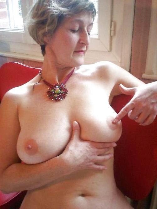 belles vieilles femmes nues